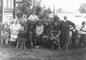 Деревенские жители. Август 1985 год. Из семейного альбома Алексеева Алексея.