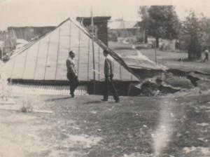 1972 год, провалившийся дом.