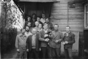 Цех стула. Фотография из семейного альбома Морозовой Валентины Николаевны.