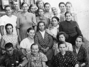 Фотографии из семейного альбома Порхуновой Маргариты Ивановны.